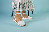 Жіночі білі шкіряні босоніжки, фото 3