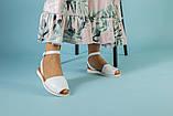 Жіночі білі шкіряні босоніжки, фото 4