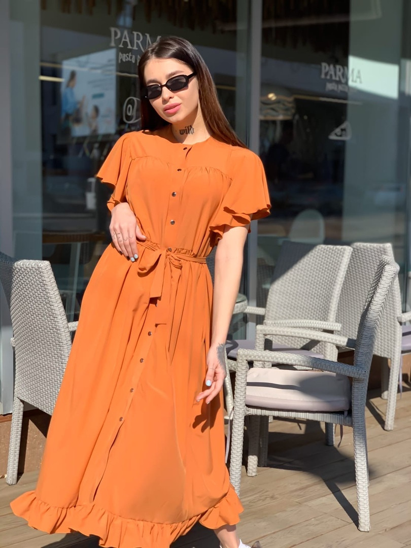 Женское платье в пол широкого кроя, с боковыми карманами
