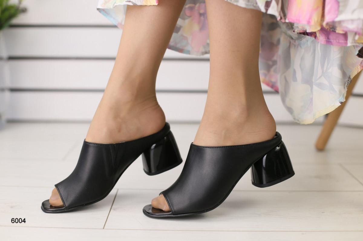 Женские сабо на каблуке, черные кожаные