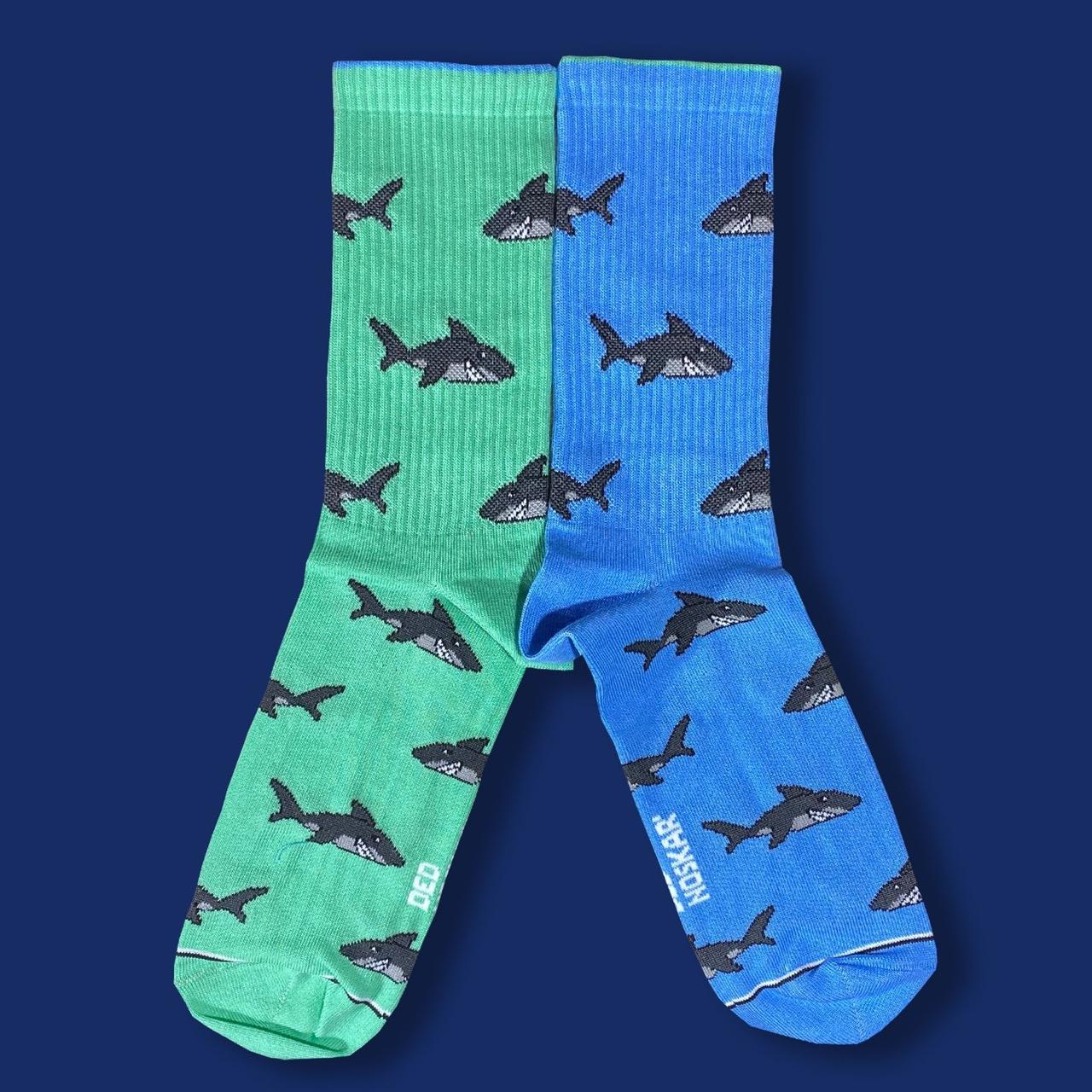 """Носки из высококачественного хлопка с оригинальным принтом """"Hungry Shark"""""""