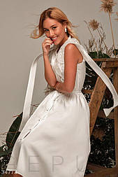 Шелковое платье-миди с расклешенной юбкой и изящными крылышками
