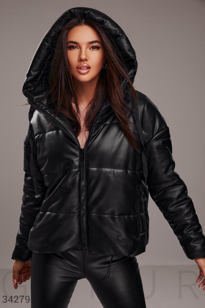 Комфортная теплая куртка с утеплителем из мягкой экокожи