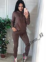 Женский спортивный костюм из двухнитки с худи и зауженными штанами на манжетах 7SP877, фото 1