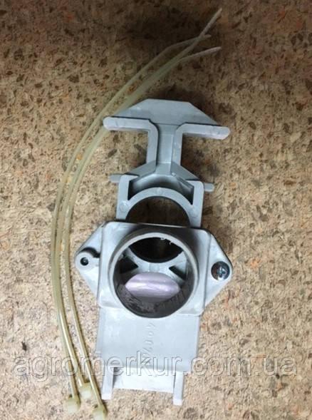 З'єднувач шланга пластмасовий AC490788 28MM