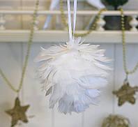 Подвесной декор из перьев белый шар d11см 1000735