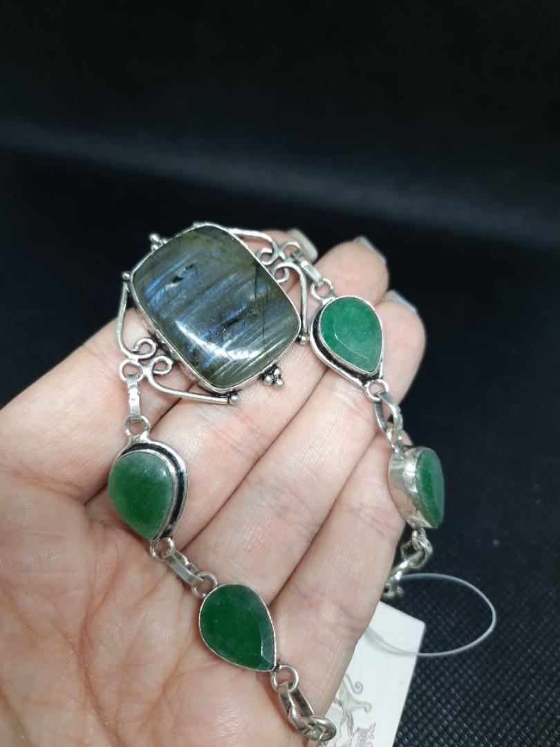 Красивый браслет с изумрудом и лабрадором. Браслет с натуральным камнем изумруд + лабрадор в серебре.