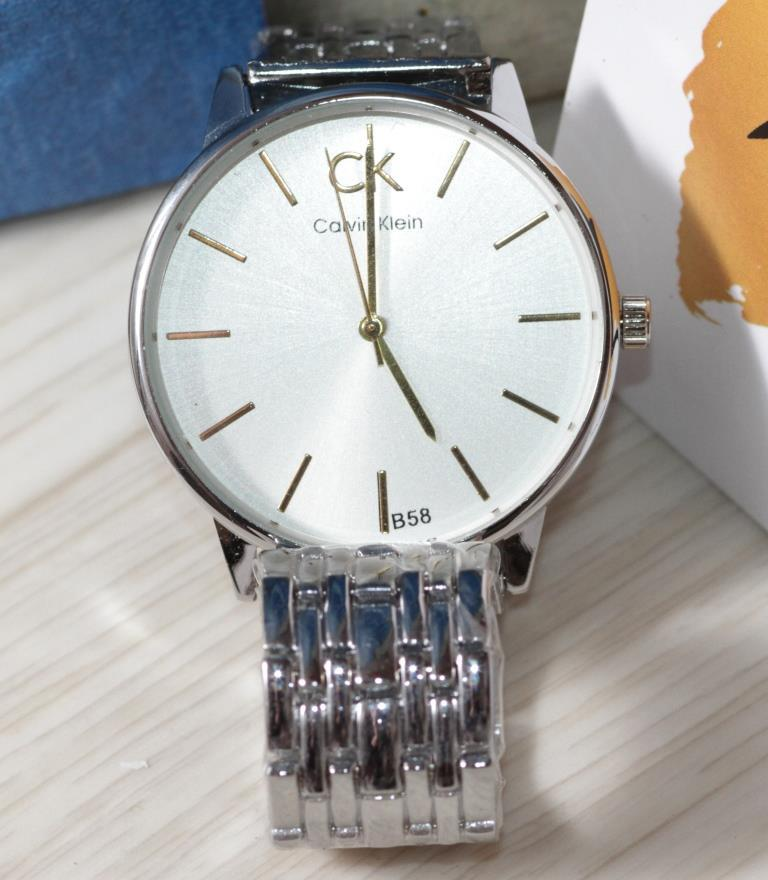 Наручные кварцевые часы HS0041 Серебряного цвета
