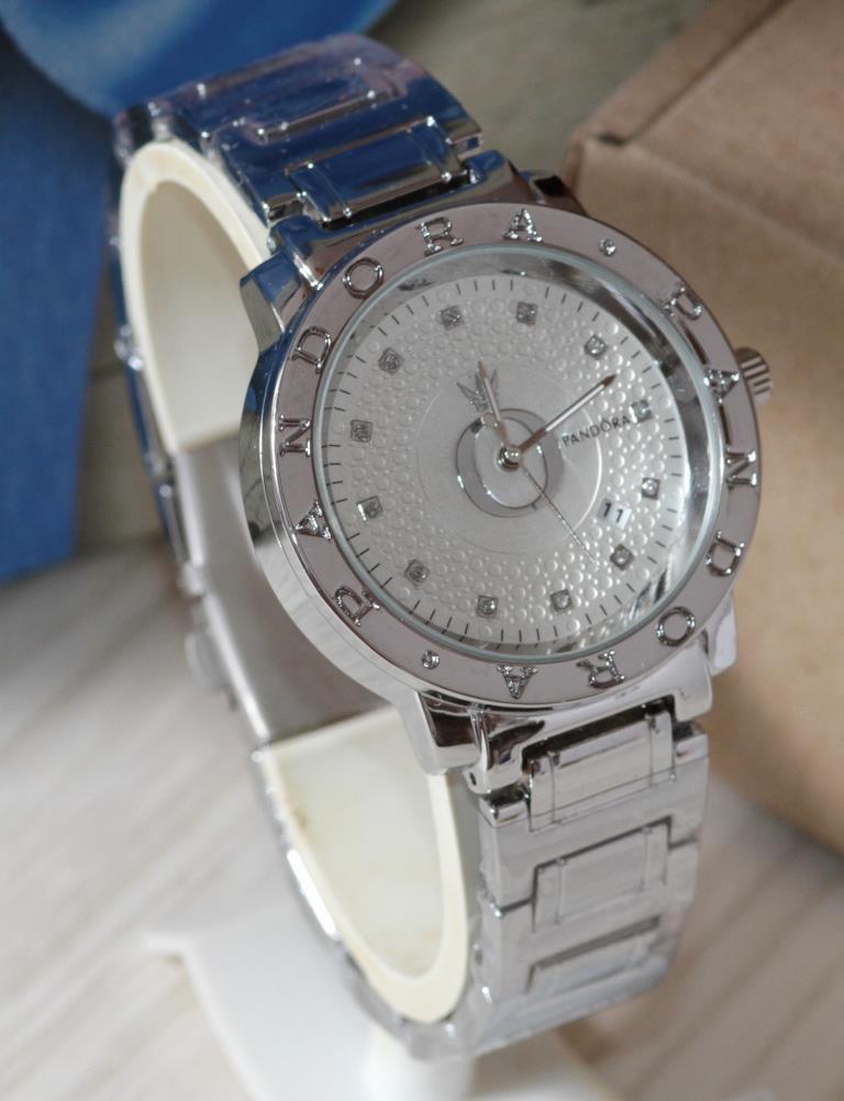Наручные кварцевые часы HS0049 Серебряного цвета