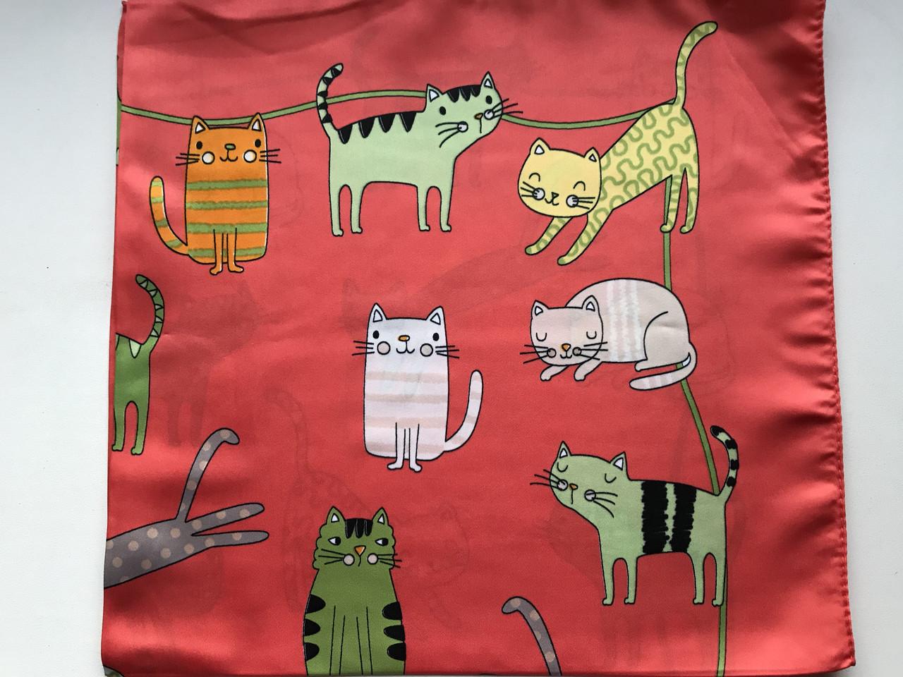 Шейный платок с добавкой  натурального шёлка цвет красный с рисунком котов