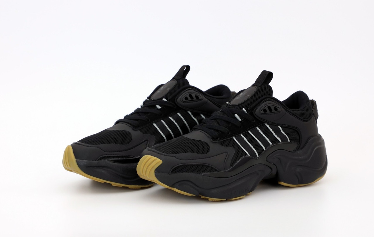 Чоловічі кросівки Adidas Consortium x Naked Magmur Runner, Black