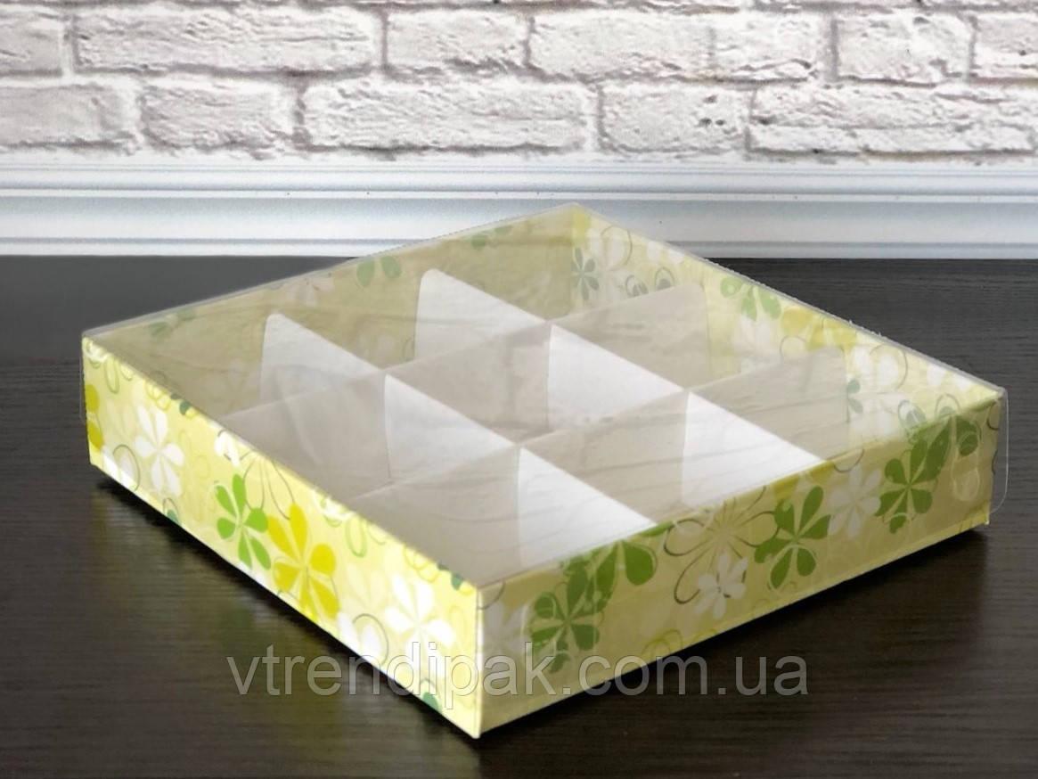 """Коробка 160*160*35 """"Весна"""" зі вставкою для цукерок з прозорою кришкою ПВХ"""