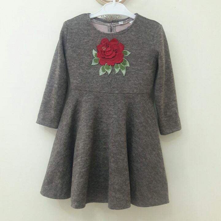 Теплое платье для маленкой девочки в садик