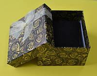 Подарочная коробочка для украшений, коричневая с лентой из органзы, размер 90х90х60 мм, внутри подушечка