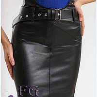 Короткая женская юбка с поясом из эко кожи