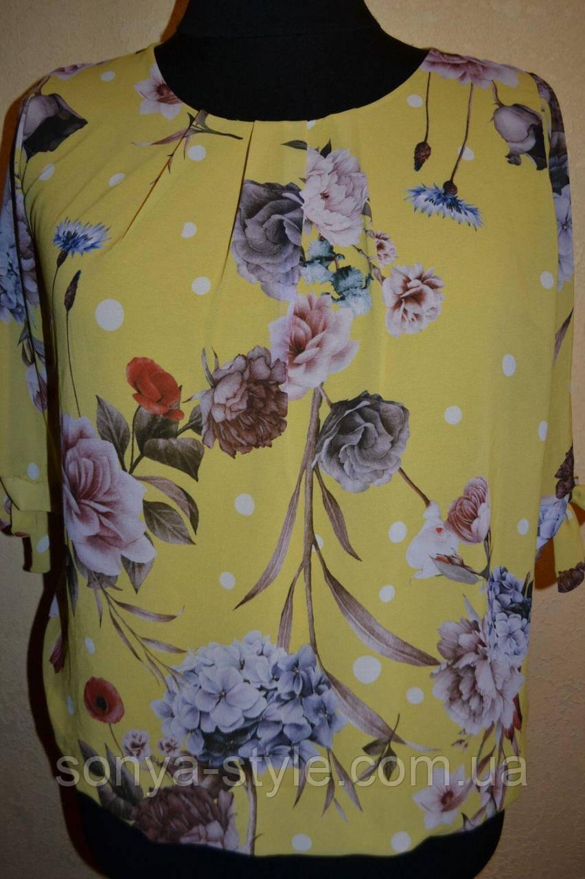 Женская блузка   из шифона цветочками     больших размеров