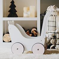 Деревянная детская коляска для кукол по методике Марии Монтессори белая