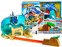 Трек Хот Вилс Схватка с акулой Hot Wheels City Shark Beach Battle Play Set FNB21