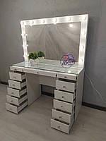 Стол для визажиста с гримерным зеркалом со столешницей-витриной, цвет - белый