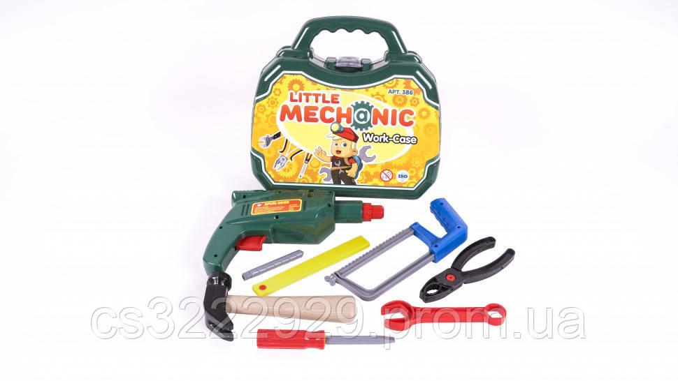 Набор инструментов Механик в чемодане 386OR