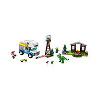 Конструктор LEGO JUNIORS История игрушек 4: каникулы в прицепе