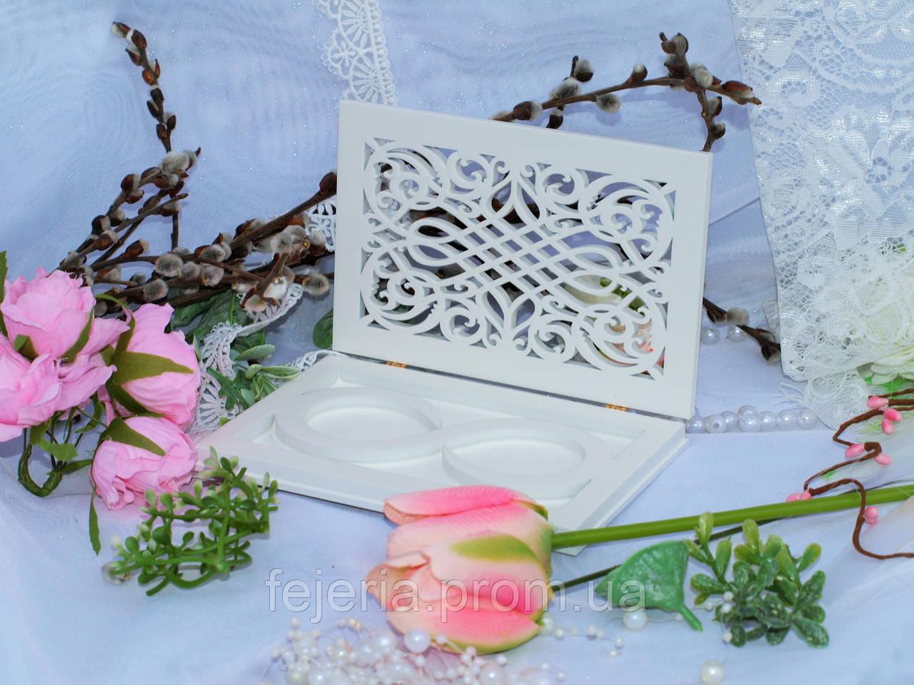 Свадебная шкатулка для колец завитки