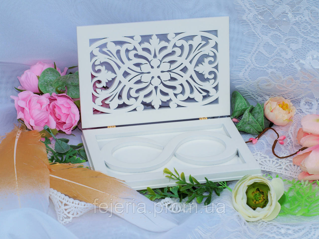 Свадебная шкатулка для колец валет