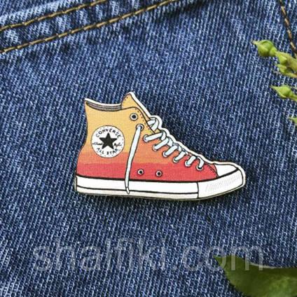 """""""Кед Converse All Stars"""" брошь деревянная с уф-печатью"""