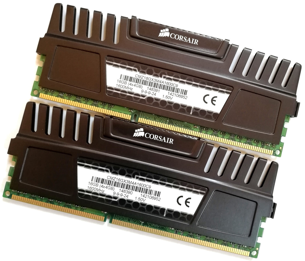 Пара игровой оперативной памяти Corsair DDR3 8Gb (4Gb+4Gb) 1600MHz PC3 12800U 2R8 CL9 (CMZ16GX3M4A1600C9) Б/У