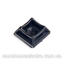 Площадка для стяжки под шуруп/дюбель  20х20 мм 50 шт./уп. Черный Ø 4мм