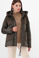 Короткая женская демисезонная куртка с накладнымы карманами и капюшоном цвет хаки