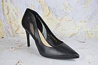 Кожаные туфли женские на шпильке Asttaly