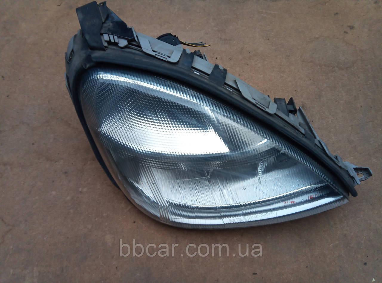 Фара Mercedes Benz A-Class Bosch 0 301 152 202 , A 168 820 02 61  ( R )