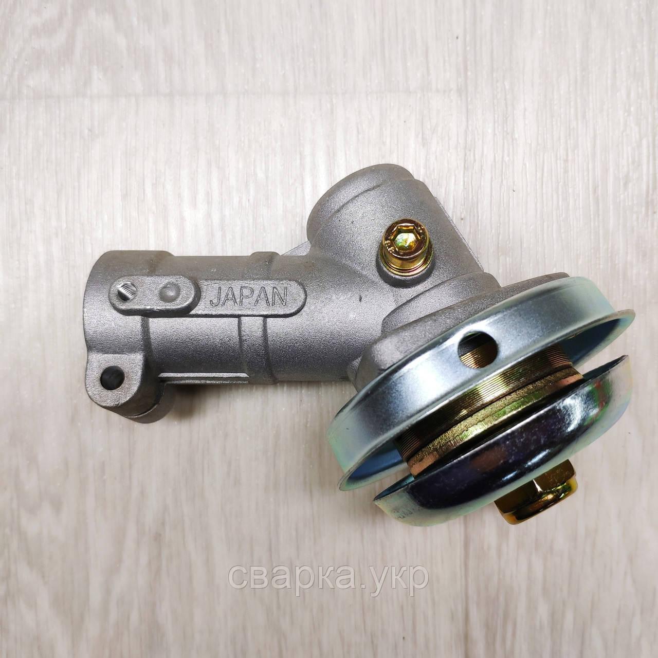 Нижний редуктор на бензокосу 9 шлицов Ø 26 мм