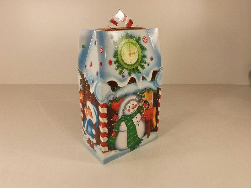 Новогодняя коробка для конфет Конфетный домик 700г. уп 25 штук