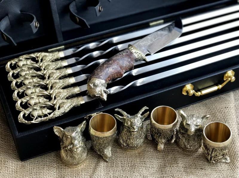 """VIP-Набір шампурів ручної роботи """"Гранд 3"""" ніж +6 чарок, в подарунковому кейсі"""
