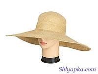 Соломенная шляпа с большими полями