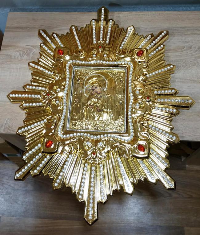 Спускная икона Пресвятой Богородицы средняя (дерево, позолота)