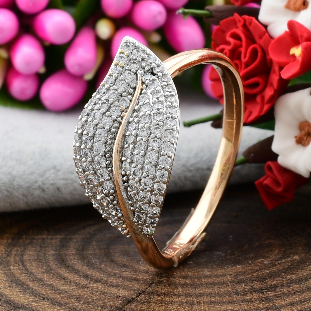 Кольцо Xuping с родированием 14302 размер 18 ширина 11 мм вес 2.2 г белые фианиты позолота 18К