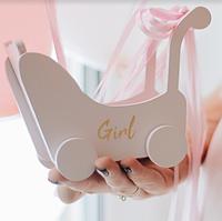 Маленькая сувенирная колясочка с персонализацией Мишка