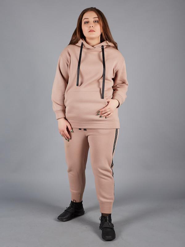 Теплый женский костюм для полных бежевый