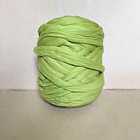 Толстая пряжа из шерсти мериноса салатовый  21 микрон 100% шерсть цвет Бамбук