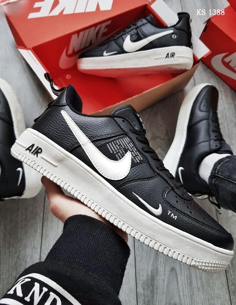 Мужские весенние кожанные кроссовки черно/белые Nike Air Force 1 LV8