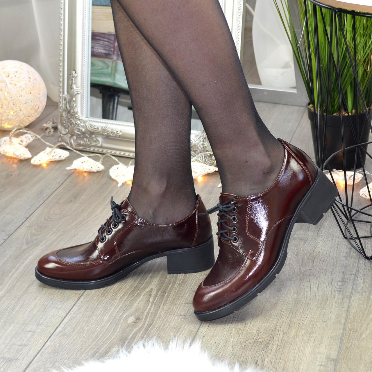 Туфли женские на маленьком каблуке, натуральная кожа рабат коричневого цвета