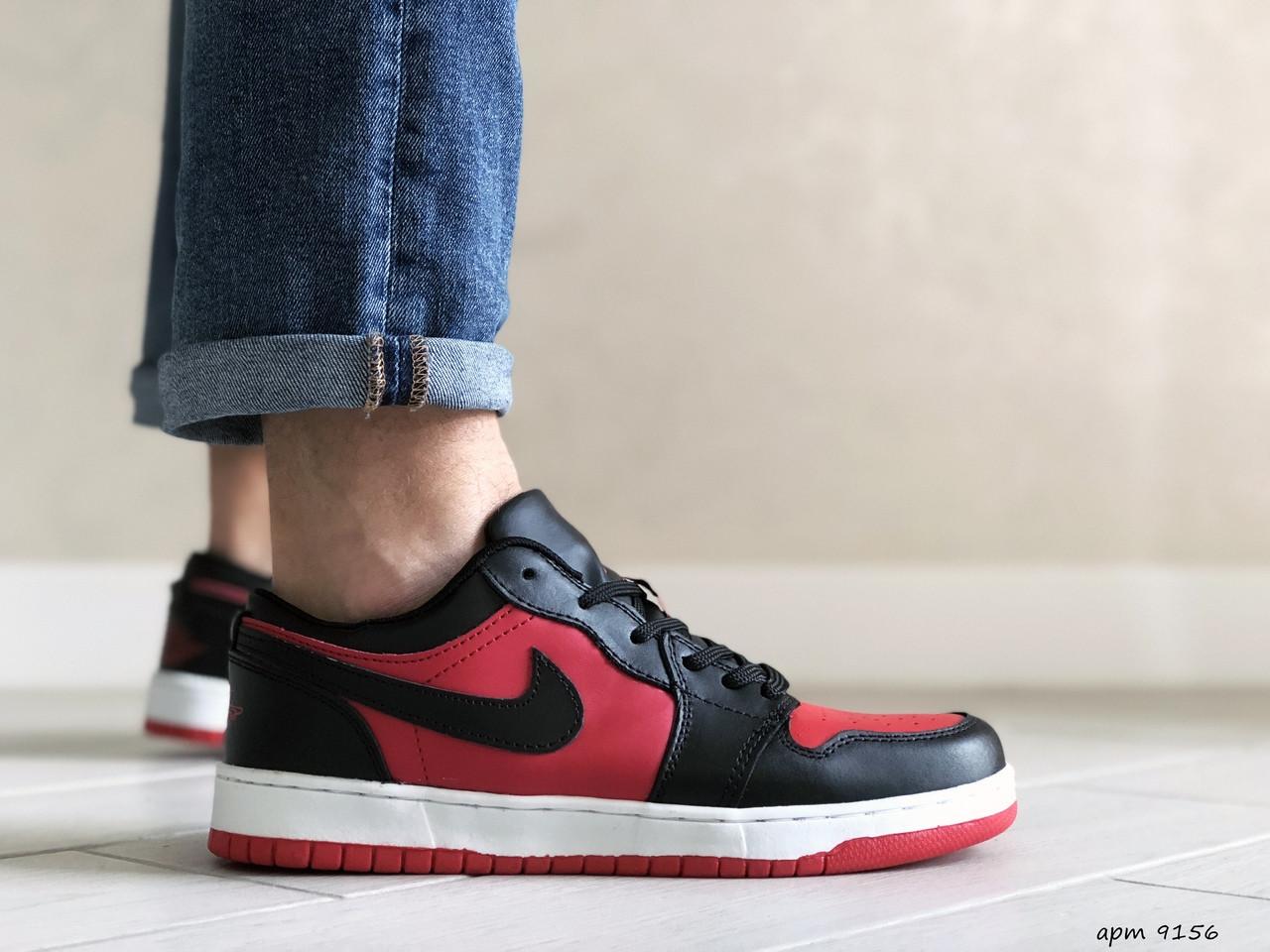Мужские кожаные кроссовки Nike Air Jordan 1 Low (красно-черные) 9156