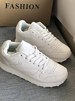 Белые спортивные кроссовки, фото 1
