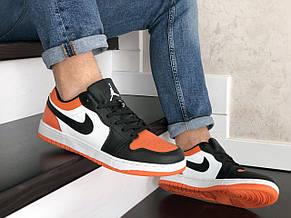 Чоловічі весняні кросівки Nike Air Jordan 1 Low, чорно білі з помаранчевим, фото 3