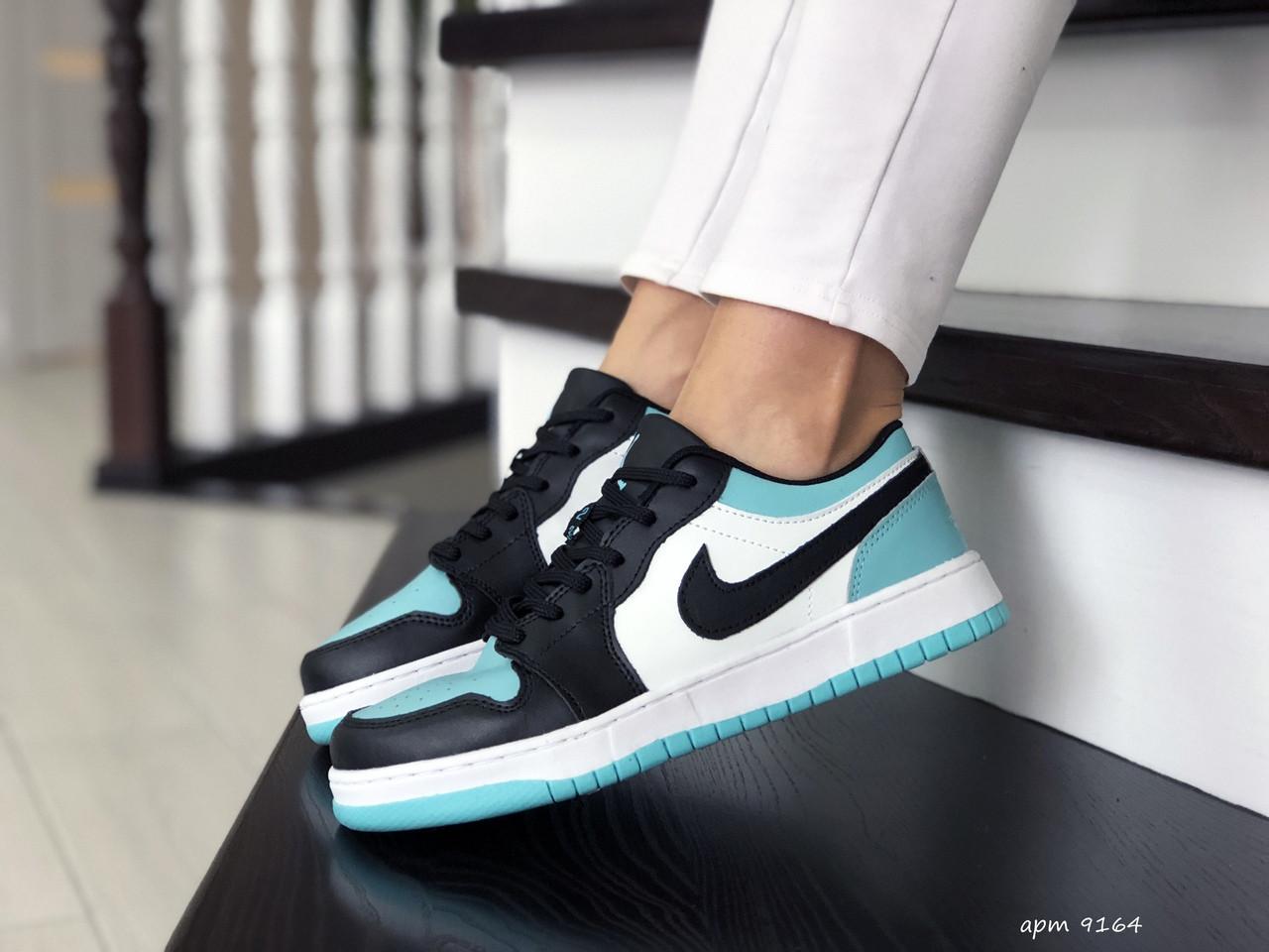 Жіночі шкіряні кросівки Nike Air Jordan 1 Low (біло-чорні з м'ятою) 9164