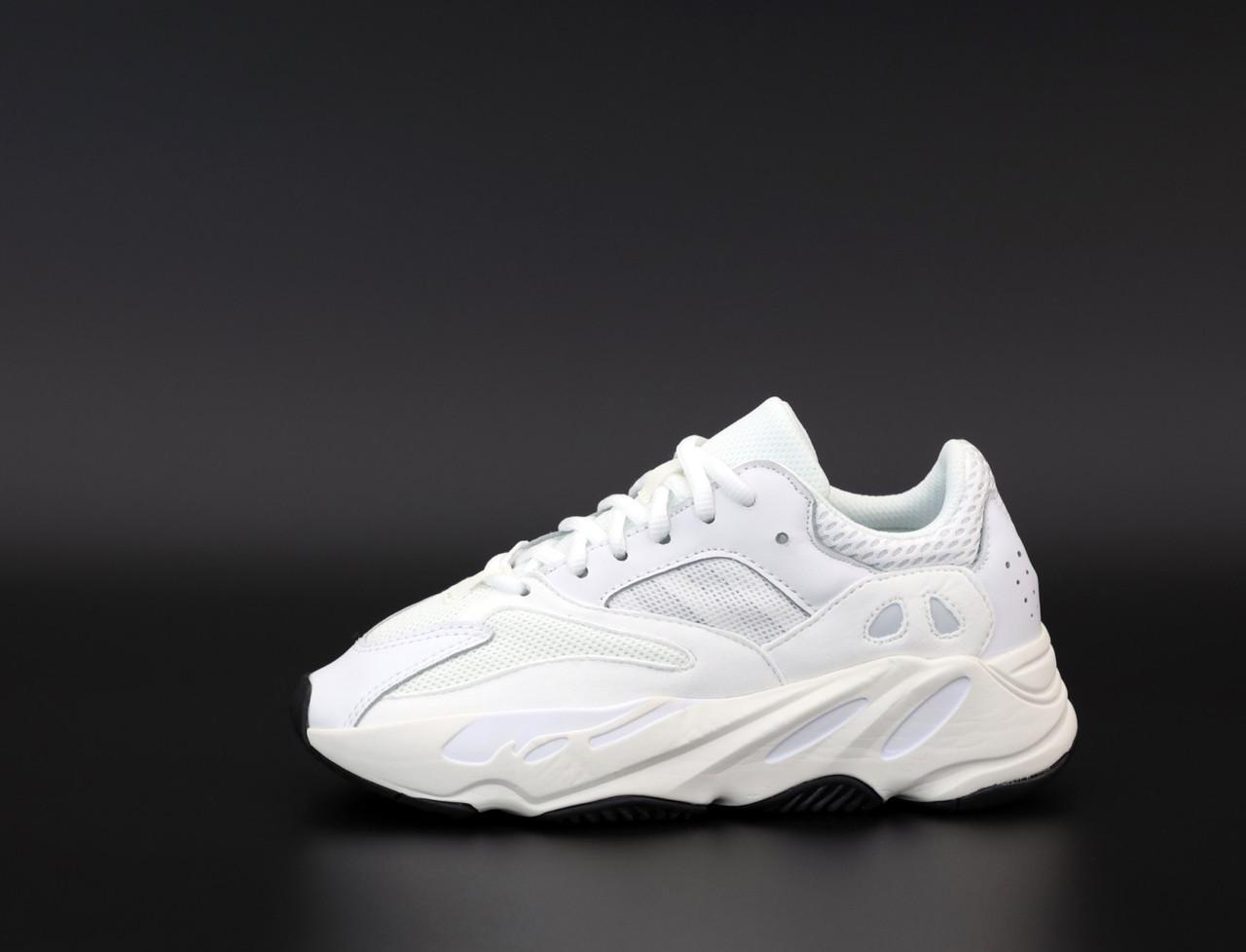 Женские кроссовки Adidas Yeezy 700, Реплика