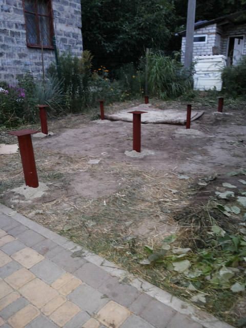 Засыпана цемент песчаная смесь приварены наголовники